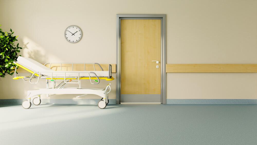 Деревянная дверь для больницы